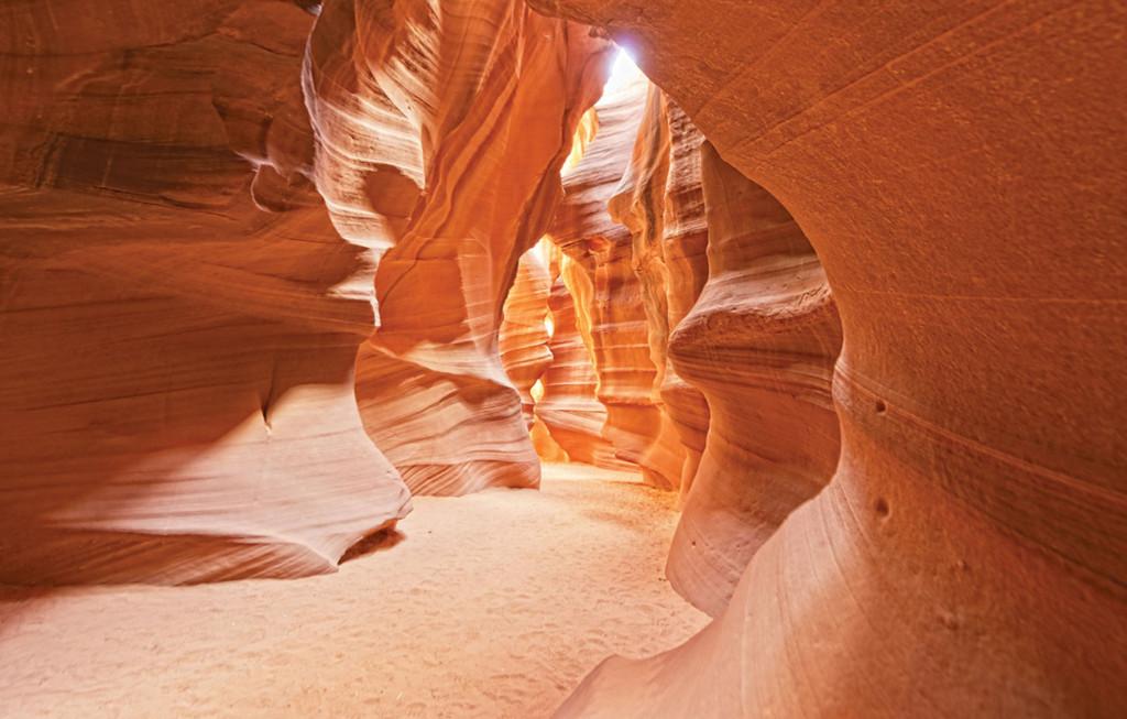 Фотообои пещера