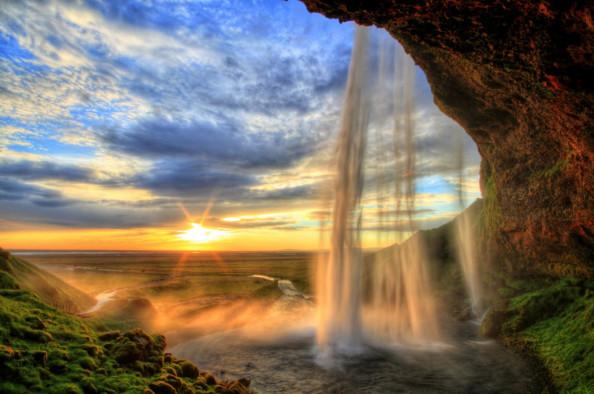 Фотообои Ущелье и водопад